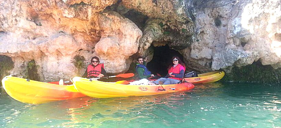 kayaks en lagunas de ruidera (RUIDERAVENTURA.COM)